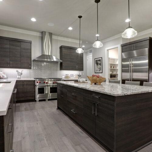 Een nieuwe moderne keuken laten plaatsen